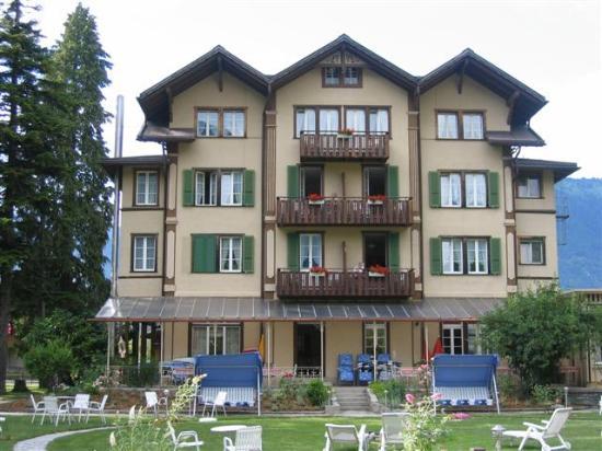 Hotel Alpenrose: front of hotel