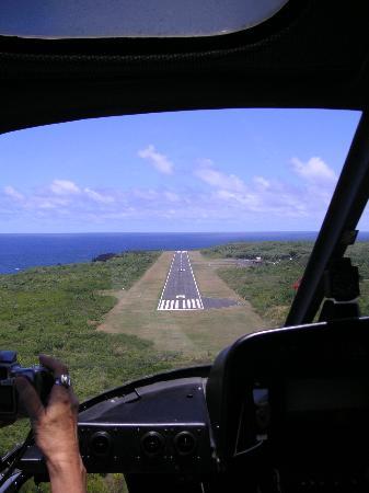 Air Maui: Hana On Final Approach