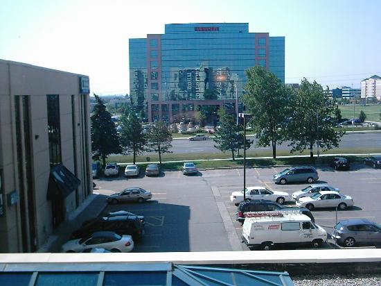 Sheraton Parkway Toronto North: The View From The Bedroom