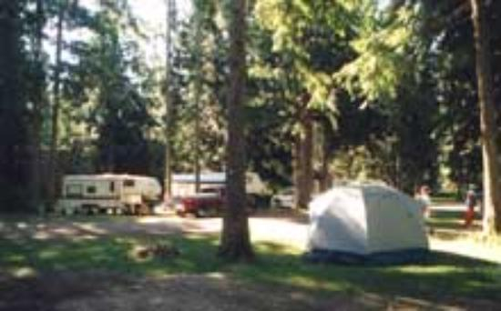 Kokanee Chalets: Campground