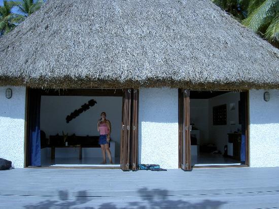 Navutu Stars Fiji Hotel & Resort: our bure with doors open
