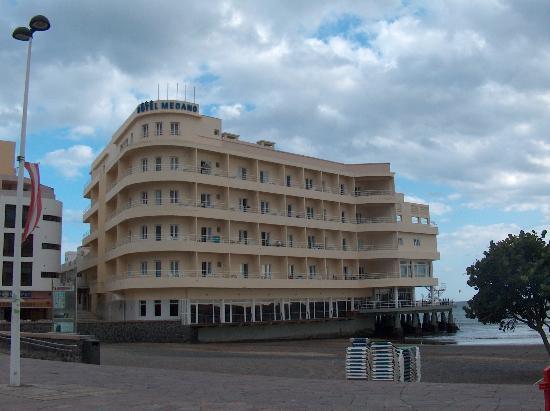 El Medano Hotel: L'hôtel vu de l'extérieur