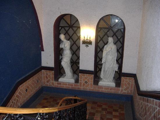 Hotel Colonial de Puebla: Stairwell