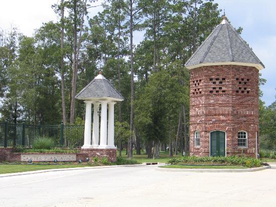 The Villas at Carter Plantation: Entrance