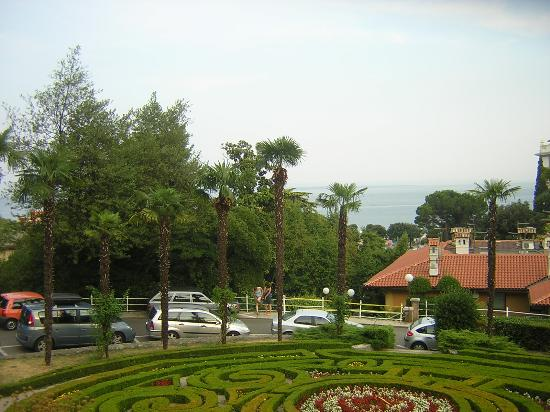 Hotel Opatija: View to Sea