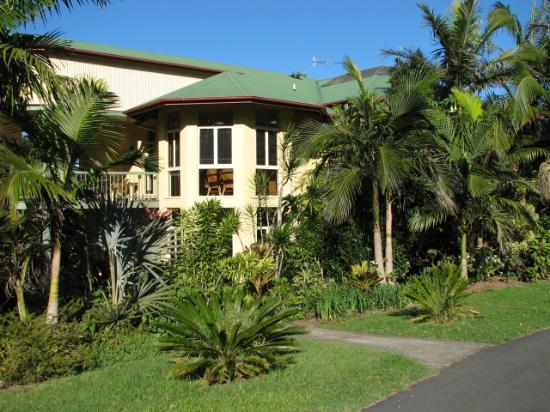 Maleny Hideaway: Outside View