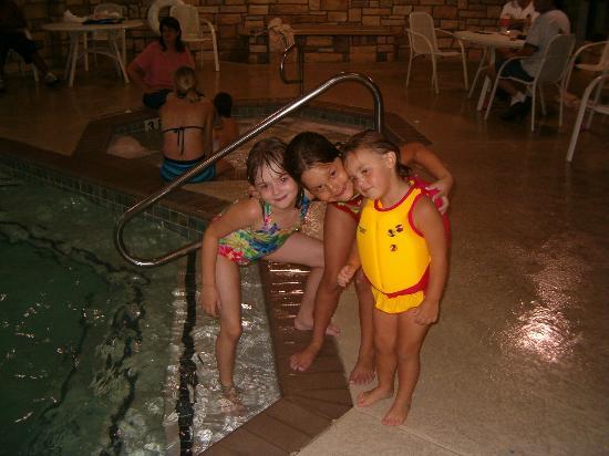 Drury Inn & Suites San Antonio Northwest Medical Center: At the pool