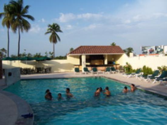 Baymont Inn & Suites Lazaro Cardenas: Swimming Pool