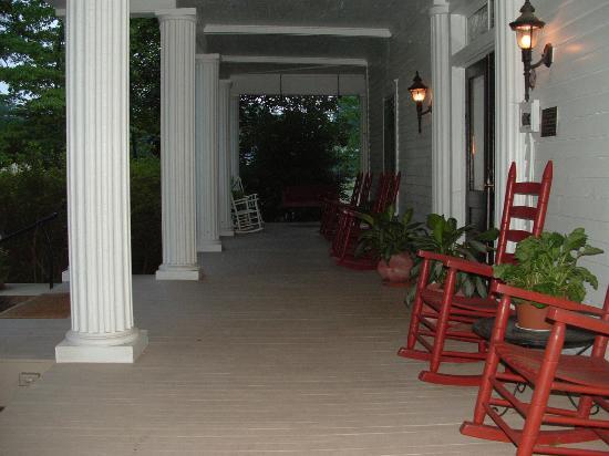 Senoia, Geórgia: Veranda Inn front porch