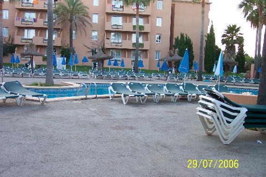 Protur Bonaire Aparthotel: Pool 1