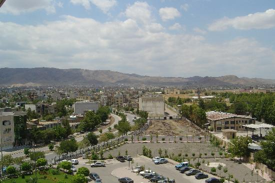 Mashhad, Irán: View from top floor balcony