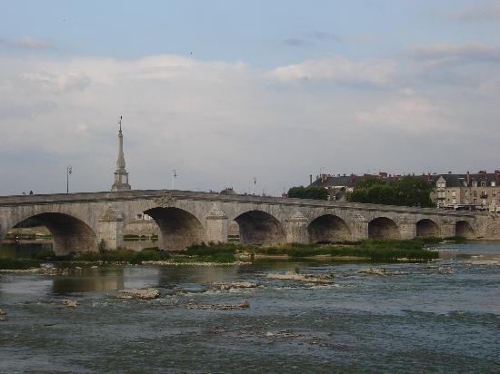 Ibis Budget Blois Centre: Rio Loira por Blois