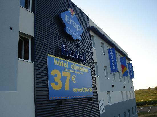 Ibis Budget Rennes Route de Saint Malo:                                     Exterior del hotel
