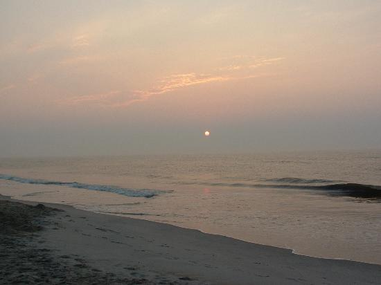 Pulau Chincoteague, VA: Sunrise on Asseteague Beach
