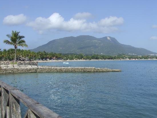 Puerto Plata Village Resort: vu du bout de la plage