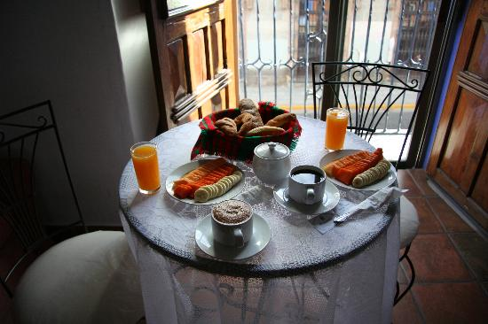 Casa de Siete Balcones: Wonderful Breakfast