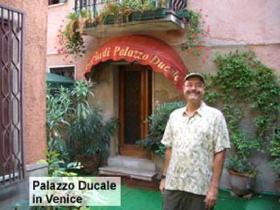 Foresteria di Palazzo Ducale: Entrance to Venice Hotel