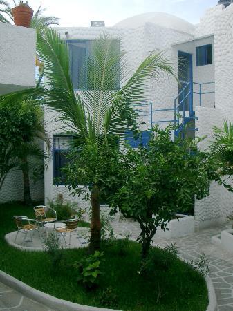 Hotel Mediterrane court yard