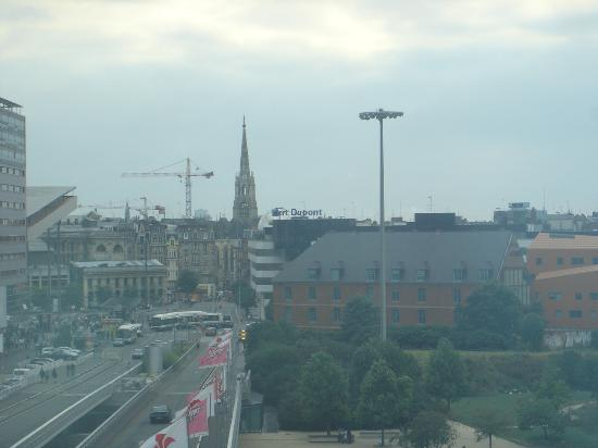 Crowne Plaza Lille : view from room  510(through glass)