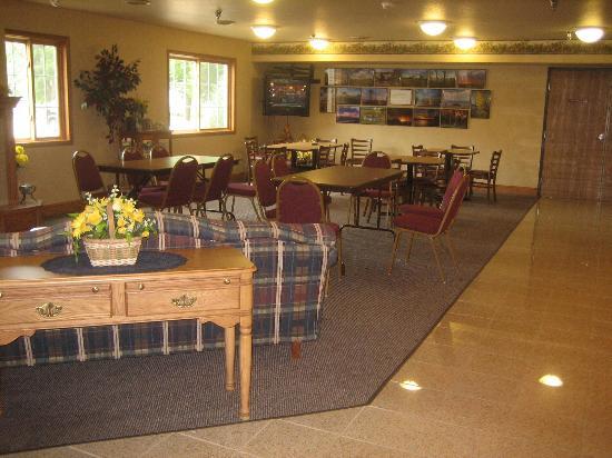 Park View Inn & Suites: Breakfast Area
