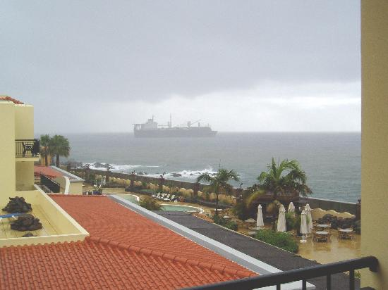 Porto Santa Maria Hotel: a side sea view