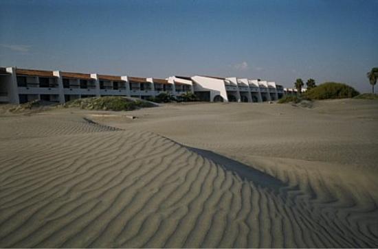 Hotel Mision Santa Maria: LA PINTA FROM BEACH