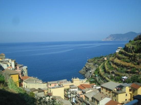 Manarola, Italie : view from the large balcony
