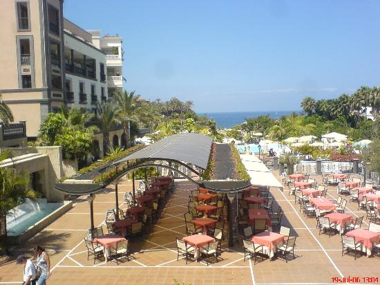Gran Tacande Wellness & Relax Costa Adeje: View Of the Outside Eating Area