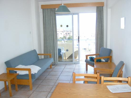Toxotis Apartments: The living area / balcony