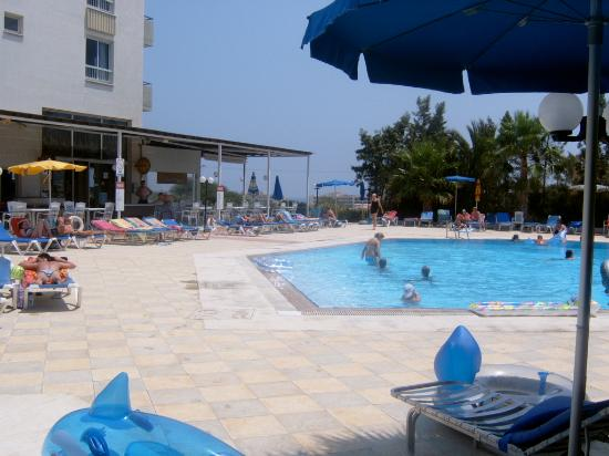 Toxotis Apartments : Picture of pool
