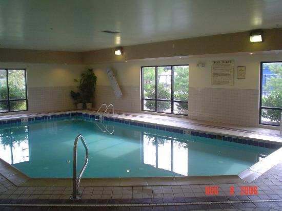 Hampton Inn Columbus Hamilton: pool