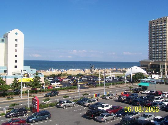 Neptune Park Inn: View from roof top pool