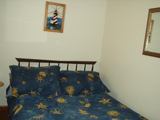 D'Allaire's Motel and Cottages: Bedroom area