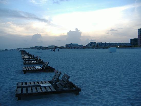 Gulf Shores Plantation: The beach at dusk