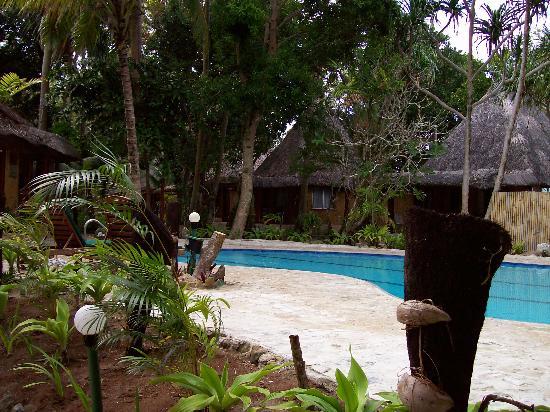 Toberua Island Resort: Front of Bure's and pool
