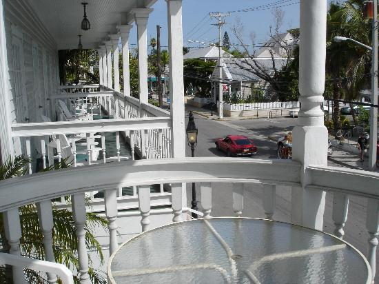 Cuban Club Suites: View from wraparound deck