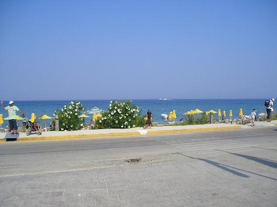 9 Muses Hotel Skala Beach: Outside Nine Muses Hotel
