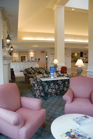 Hilton Garden Inn Grand Forks-UND: Lobby area