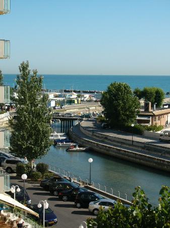 Hotel President: sea view
