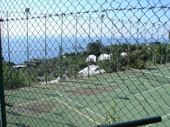 Tui Sensimar Grand Hotel Nastro Azzurro: Tennis Court With View