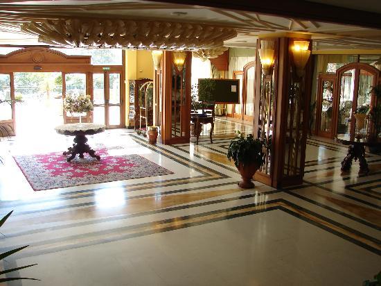Tui Sensimar Grand Hotel Nastro Azzurro : The Hall