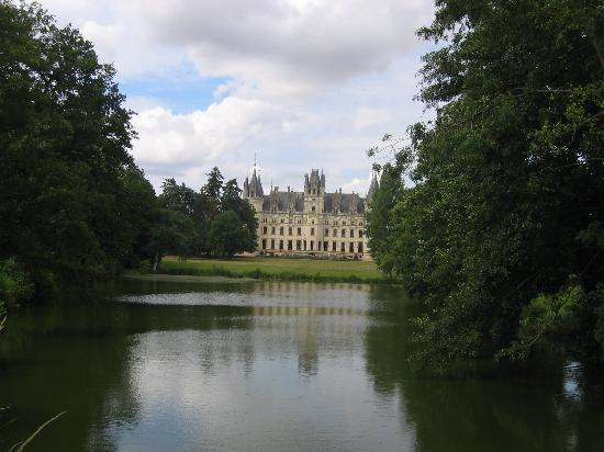 Chateau de Challain: Chateau taken from the Lake