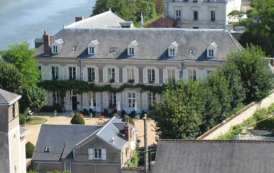Hotel Le Manoir les Minimes : The front of the amazing Hotel from the nearby Chateau D'Amboise (Yes, it's that close)