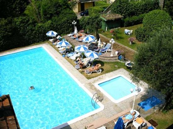 Hotel Maderno: Pool from 3rd floor