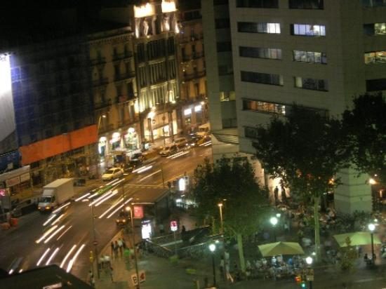 Olivia Plaza Hotel: View from hotel at night