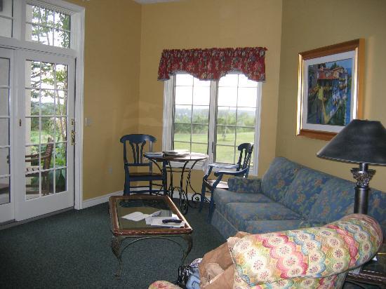 Chateau Chantal Winery and Inn: Living Room