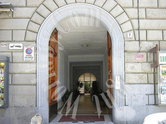 Relais Group Vaticano Luxury: The main entry never looked this good