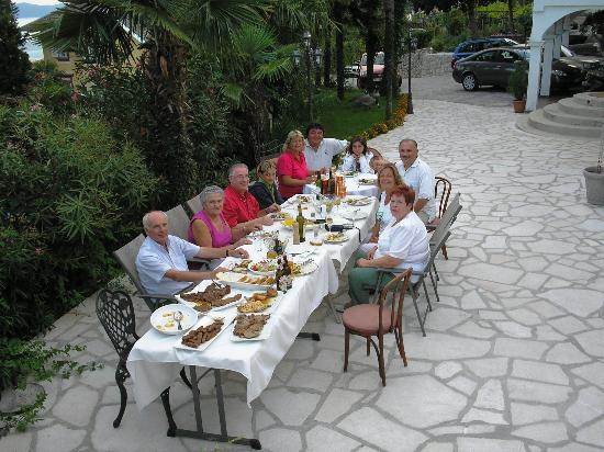 Villa Palme: What a lovely BBQ we had