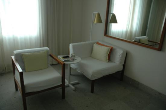 Shore Club South Beach Hotel: living room