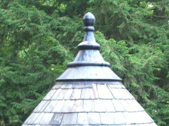The 1899 Wright Inn and Carriage House: tippy top